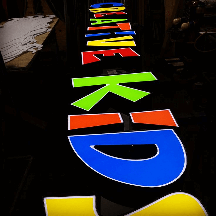 Color changing channel letters