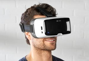3 Astonishing Advantages Virtual Reality Glasses Offers to Your Business