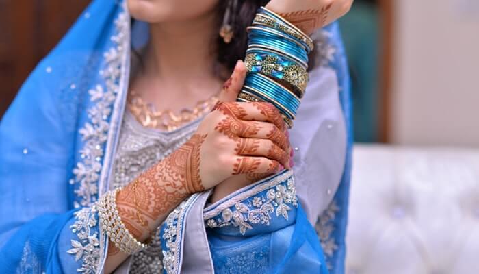 Several Popular Women's Ethnic Wear Fashion Trends in 2018