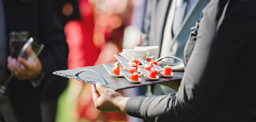 Benefits of Hiring a Catering Service for Your Event