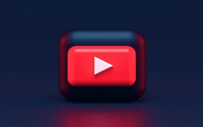 Why Influencers on YouTube Use Live Streams?
