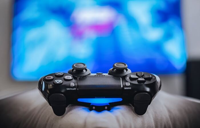 Live Streaming Gamer on Twitch